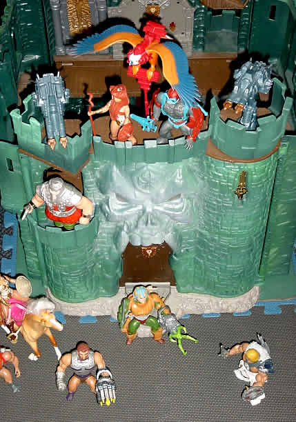 He Man Toys : Old he man toys with new weapons